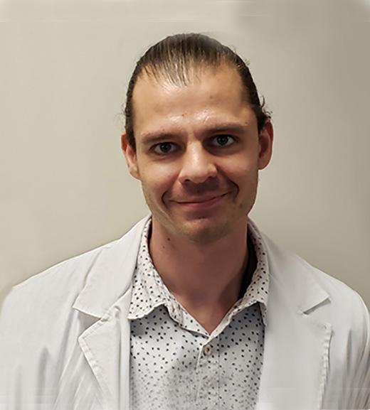headshot of matthew krieger